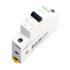 Wylaczniki-nadpradowe-bezpieczniki - wyłącznik nadprądowy a9k02120  1p c 20a schneider